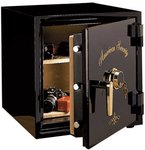 An oldschool safe with valuables within it